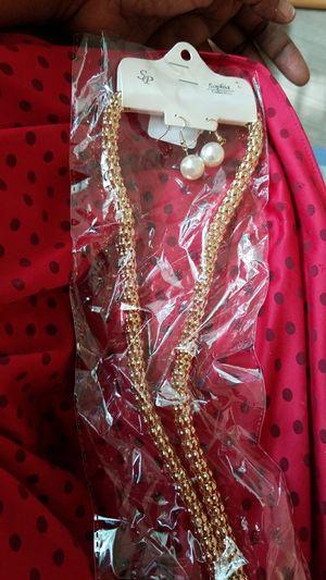 long chain w/ earring for Sale in West Palm Beach, FL