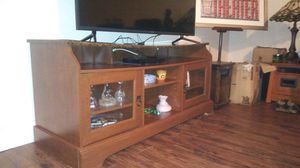 Pretty and Large Flat Panel TV Stand Reduced for Sale in Staunton, VA