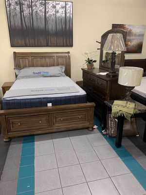 Queen bed room set(queen bed frame, dresser, mirror,1 night stand) ON SALE for Sale in Federal Way, WA