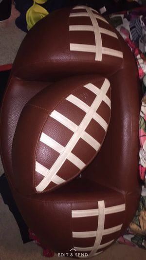 Football couch leather 100% for Sale in Phoenix, AZ