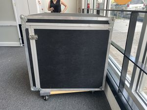FREE Large custom ATA road case for Sale in New York, NY