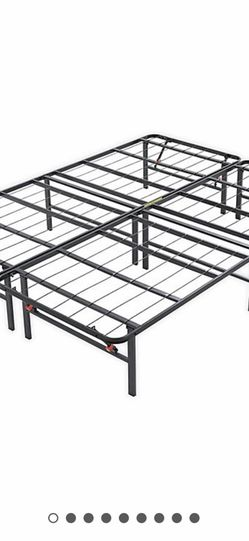 Queen Size Metal Bed Frame for Sale in Newburgh Heights,  OH