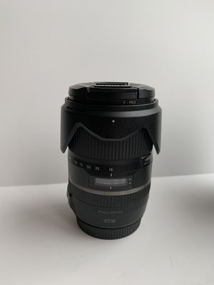 Tamron 16-300mm f/3.5-6.3 Zoom Lens: Canon Mount - Excellent Condition for Sale in Thousand Oaks, CA