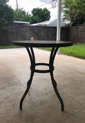 Metal, glass coffee table for Sale in Hialeah, FL