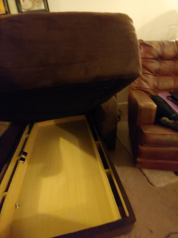 Couch With Chaise And Ottoman For Sale In Seattle Wa