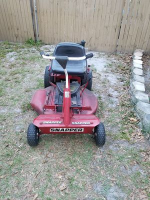 Snapper riding lawn mower 12 and a half horsepower Briggs for Sale in Land O Lakes, FL