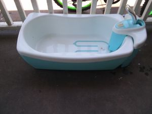 Lil luxuries whirlpool bubbling spa and shower for Sale in Quincy, IL