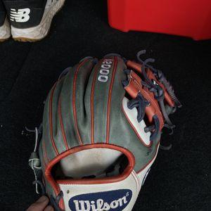 Baseball Glove for Sale in Oceanside, CA
