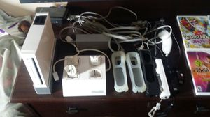 Wii console and 4 games for Sale in Frostproof, FL