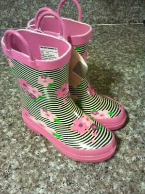 Lil girl rain boots for Sale in El Monte, CA