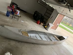 Canoe for Sale in Peoria, IL