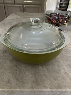 Vintage Pyrex glass bowl and glass lid for Sale in Oak Brook, IL