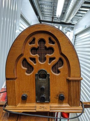 Antique Radio workable for Sale in Pomona, CA