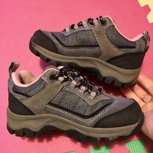 EUC Size 12 Girls Hi-Tec Youth Hillside Low Waterproof Jr Hiking Boots for Sale in Staten Island, NY