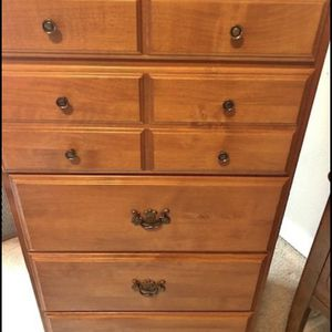 5 Drawer Dresser for Sale in Federal Way, WA