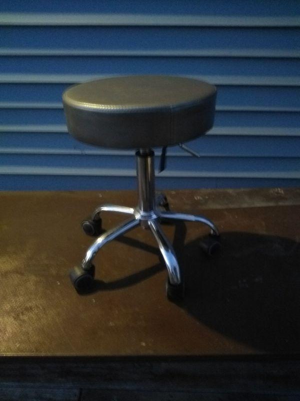 Tainoki- adjustable turn stool