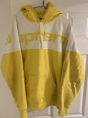 SUPREME YELLOW BLOCKED HOODIE for Sale in Lake Forest Park, WA
