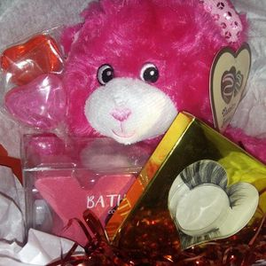 V Day Gift Baskets for Sale in Colton, CA
