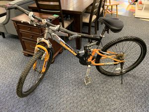 "27"" Black/Silver/Orange Men's Mountain Bike for Sale in Virginia Beach, VA"