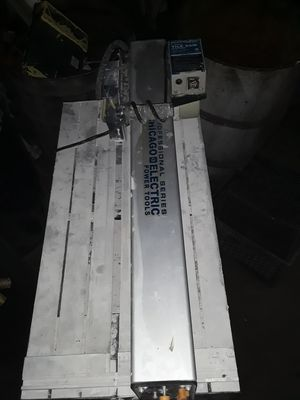 """Professional series Chicago electric power tool 7""""title saw with stand for Sale in Los Angeles, CA"""