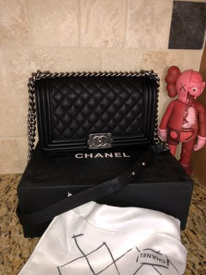 Chanel Quilted Caviar Medium Boy Flap Back for Sale in West Bloomfield Township, MI
