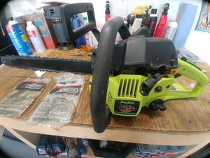Poulan wood shark model 1950 chainsaw for Sale in Orland Park, IL