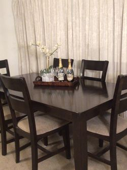Extendable Table 6 Chairs for Sale in Norwalk,  CA