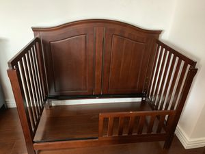 Crib and changing table for Sale in Lakewood, CA