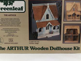 1981 Greenleaf Arthur Wooden Doll House for Sale in Englewood,  NJ