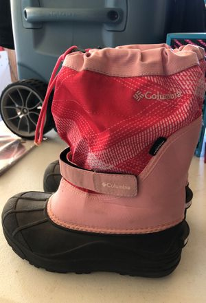 Girls size 3 Columbia snow boots. for Sale in Moxee, WA
