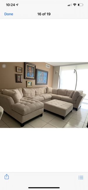 Cindy Crawford Home 3pc Sectional with matching Ottoman. LIKE NEW!! for Sale in Miami, FL