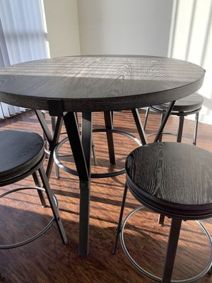 American Signature 5 Piece Round Table Dining Set for Sale in Orlando, FL