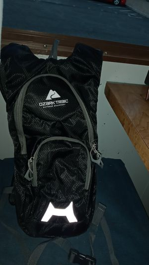 Ozark Trail waterbottle backpack for Sale in Las Vegas, NV