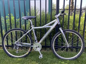 """CANNONDALE F1000 DELTA HI-POLISHED 17"""" BIKE for Sale in Queens, NY"""