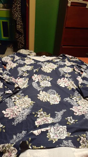 Womans 3x night gown for Sale in San Antonio, TX