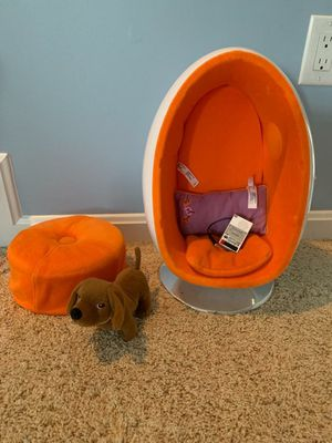 American Girl Julie's EGG CHAIR SET + OTTOMAN for doll REAL working SPEAKERS for Sale in Centreville, VA