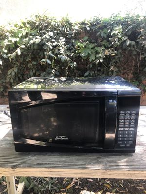 Black Microwave for Sale in Pasadena, CA