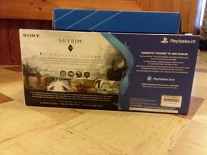 Skyrim VR bundle kit for ps4 with other games included for Sale in Spencerville, MD