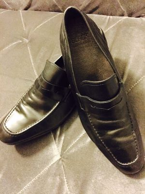 Saks Fifth Avenue Men's Black Leather Penny Loafers Size (10.5M) for Sale in San Diego, CA
