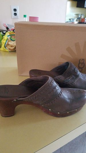 Ugg clogs size 9 for Sale in Philadelphia, PA
