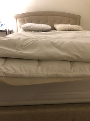 Queen bed with mattress and Smart Box Spring / Mattress Foundation for Sale in Los Angeles, CA