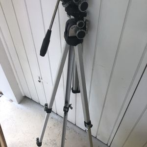 Star D Camera Tripod for Sale in Boynton Beach, FL