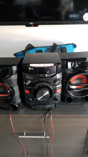 Lg stereo for Sale in Inglewood, CA
