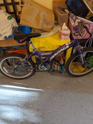 Girls 20 inch bike - Gemstone Magna for Sale in Sunnyvale, CA