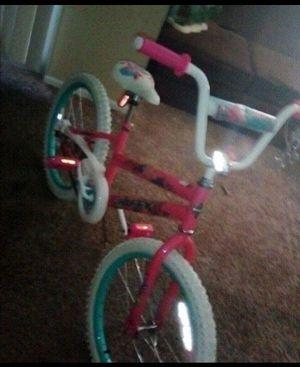 Girls bike barley used for Sale in GLMN HOT SPGS, CA