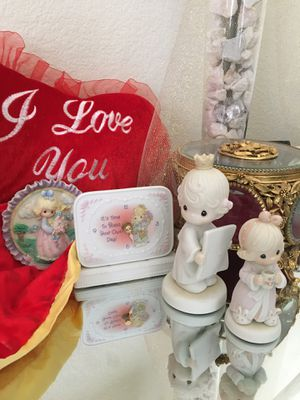 Precious moments collectibles * for Sale in Avondale, AZ