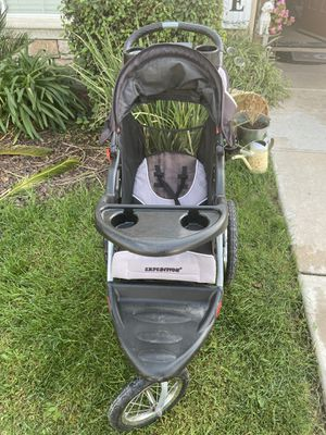 Selling a stroller for baby for Sale in Fresno, CA