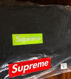 Supreme Box Logo Hooded Sweatshirt FW17' for Sale in Compton, CA