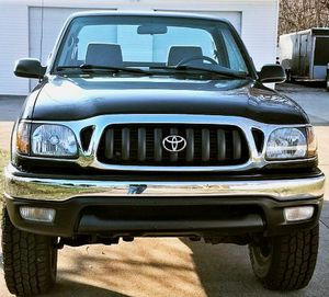 Toyota Tacoma 2001 Very well maintained,Clean title in hand for Sale in Covington, KY