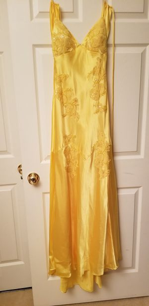 Stunning Yellow Masquerade Size 3/4 100% Polyester Beautiful Yellow lace beading for Sale in Germantown, MD